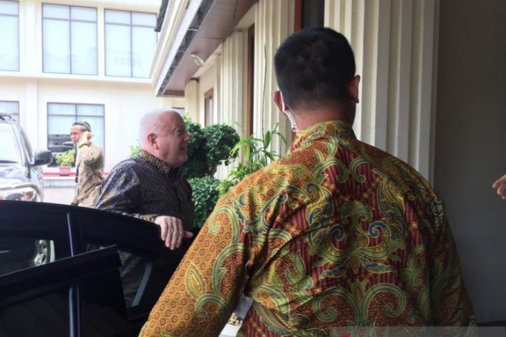 Australian envoy, Indonesian minister discuss various issues