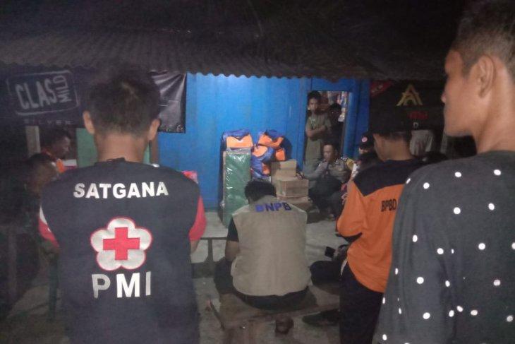 PMI Kabupaten Seluma Bengkulu kerahkan relawan bantu korban banjir rob
