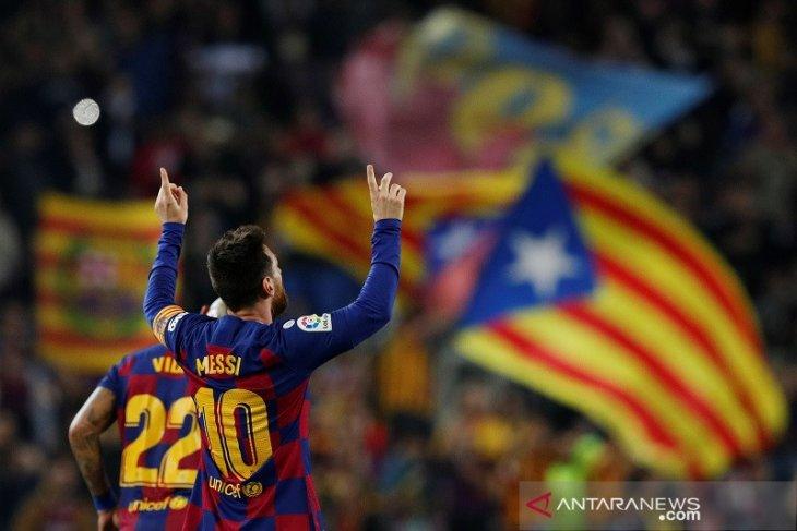 Messi gemilang, Barcelona  menang