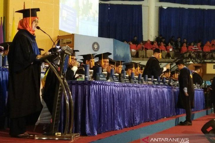 IPB University wisuda 800 orang