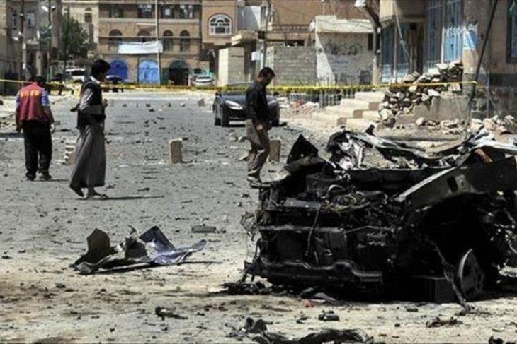 Menteri Pertahanan Yaman selamat dari serangan roket gerilyawan Al-Houthi