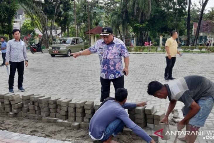 Wali Kota Sibolga cek kembali sejumlah proyek yang diperintahkan dibongkar