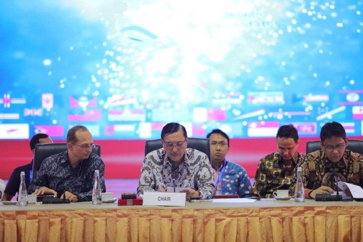 Luhut Binsar Pandjaitan  minta keringanan bea masuk produk baja Indonesia ke China
