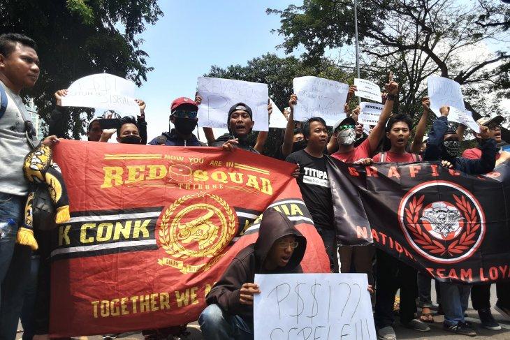 Supporter ancam boikot tonton pertandingan Timnas PSSI