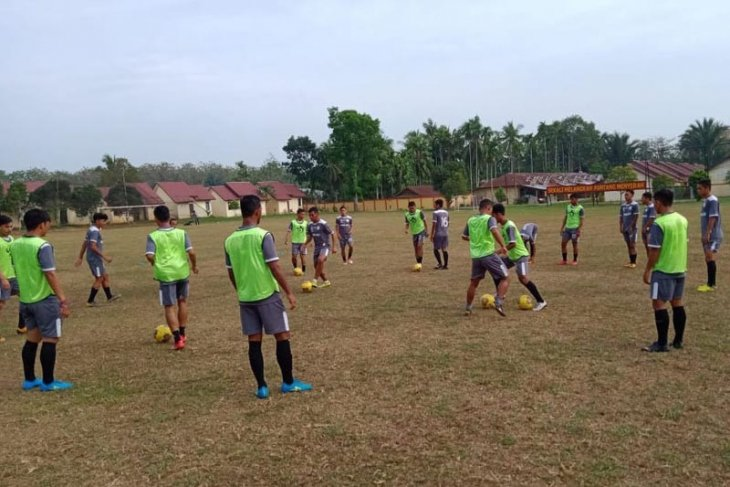 Hadapi Bengkulu, tim sepak bola porwil gelar latihan ringan