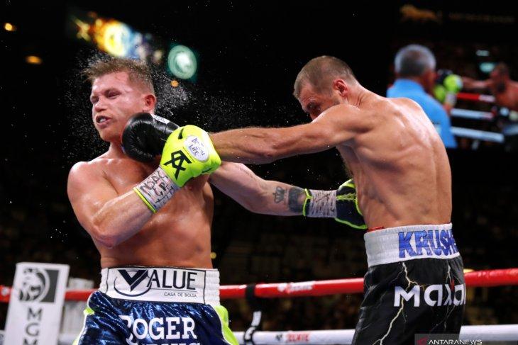 Usai KO Kovalev, Canelo Alvarez sabet gelar juara dunia