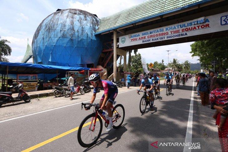 95 pebalap dunia adu cepat pada etape II Tour de Singkarak 2019
