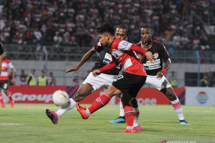 Persipura kalahkan Madura United
