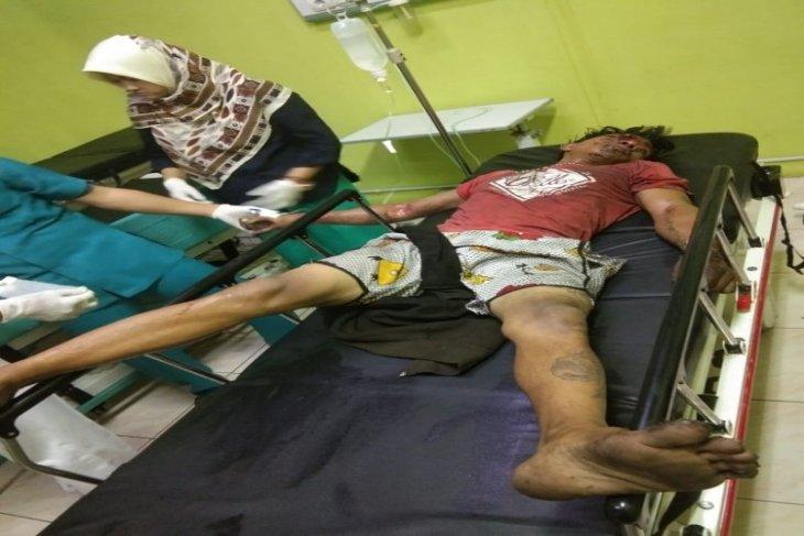 Pemulung di Binjai dibawa ke rumah sakit akibat tersengat listrik tegangan tinggi