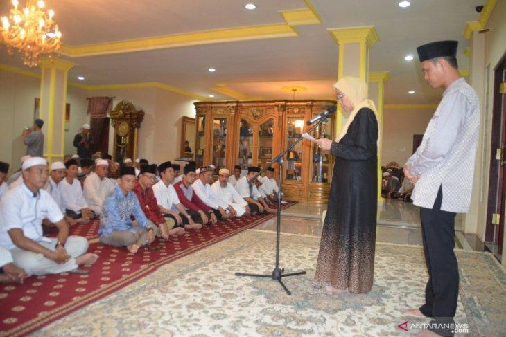 Noormiliyani-Rahmadian Noor gelar syukuran