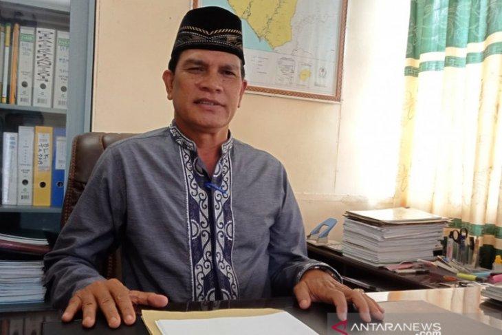 Pemkab Aceh Barat minta pekerja laporkan perusahaan tak bayar upah sesuai UMP