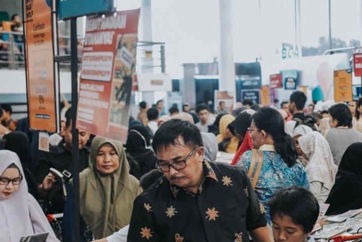 Wali Kota Balikpapan berburu buku ke Bazar Buku Big Bad Wolf