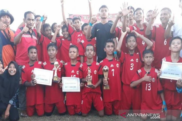 SMPN 1 Idi juara sepakbola antar SMP se-Aceh Timur