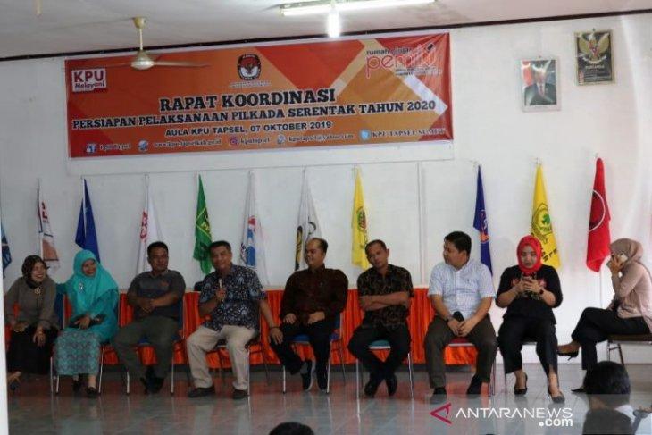 Mahasiswa UMTS kunjungi rumah pintar Pemilu KPU Tapsel