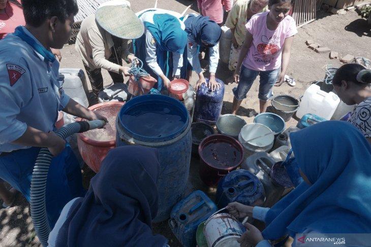 Siswa di Tulungagung salurkan bantuan air bersih