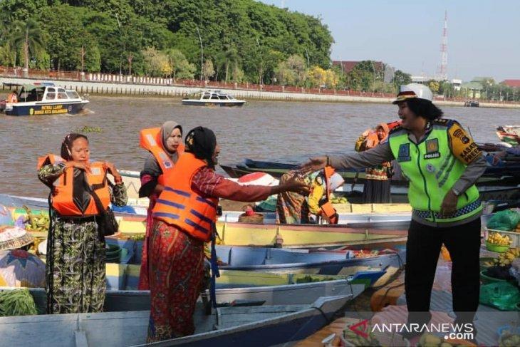 Kesadaran pengayuh perahu rendah untuk jaga keselamatan