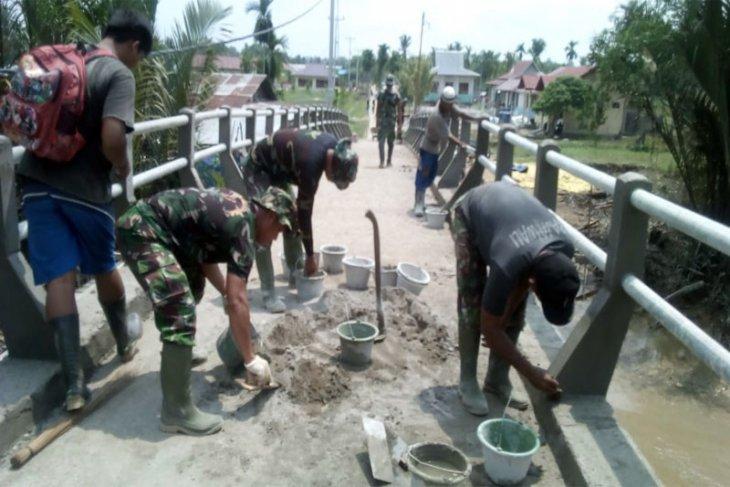 Satgas TMMD Sudah Maksimal Dalam Pembangunan Jembatan, Begini Kata Danramil Reteh