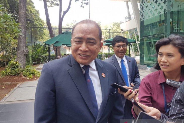 Cambodia ambassador apologizes over interrupting CNRP press conference