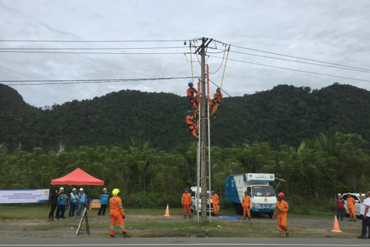 PLN Aceh bakal tambah armada tim pekerjaan dalam keadaan bertegangan