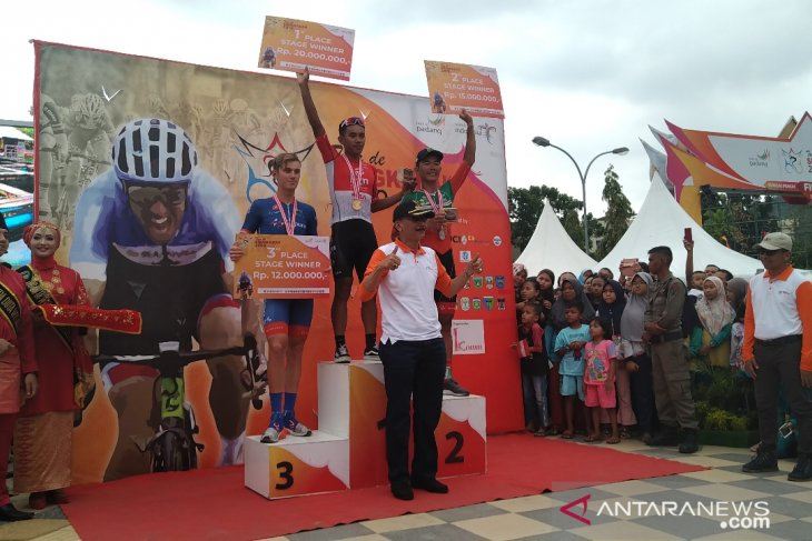 Jamalidin Novardianto menangi balapan  etape VIII TdS 2019