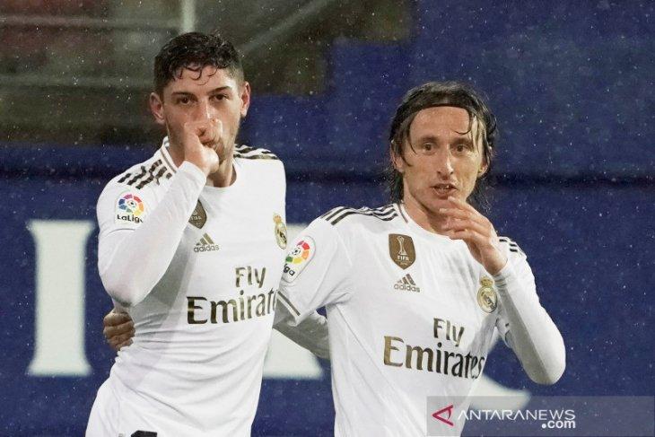 Liga Spanyol, Real Madrid lumat Eibar, menuju puncak klasemen