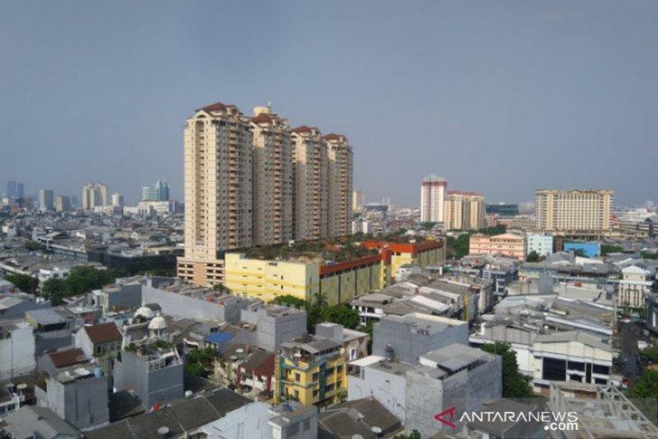 BMKG prakirakan hujan disertai petir akan terjadi di Jakarta
