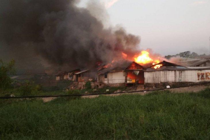 Pasar Baros, Kabupaten Serang, Terbakar