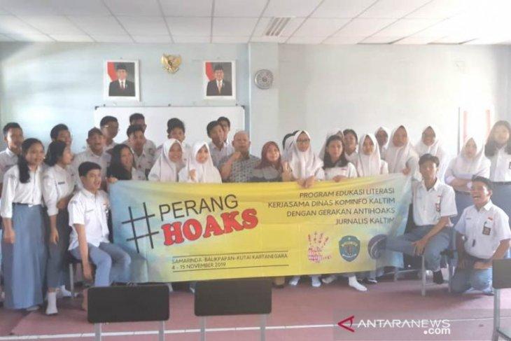 Jurnalis bersama Kominfo edukasi pelajar tangkal hoaks