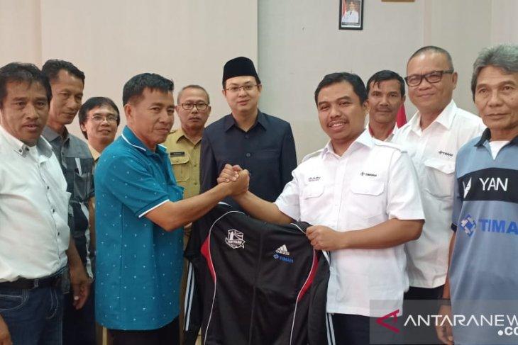 PT Timah bantu Rp142 juta bangun sepak bola Bangka Barat