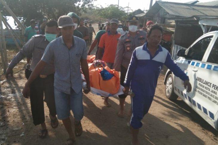 Nelayan Pesisir Barat temukan sesosok mayat