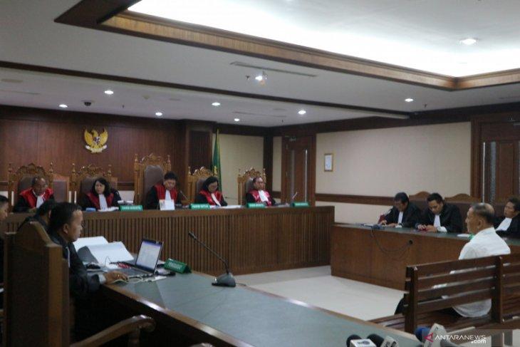Hakim perintahkan perampasan mobil mewah mantan anggota DPR Markus Nari