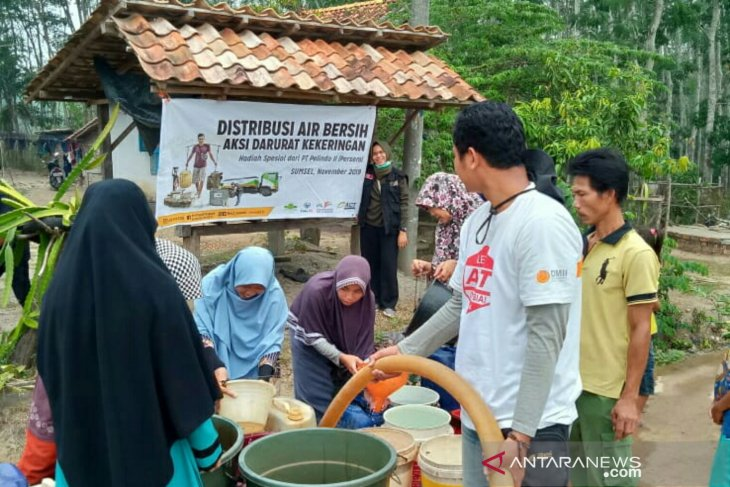 Pelindo - ACT  distribusikan 105.000 liter air bersih