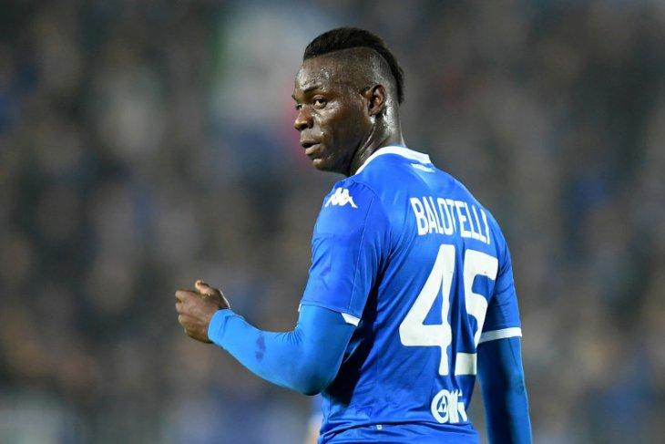 Liga Italia : Brescia bela pernyataan presiden klub soal Balotelli
