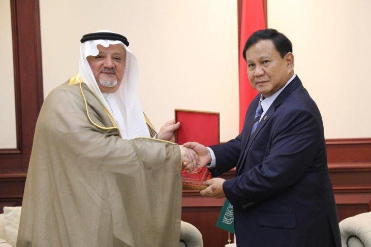 Dahnil: Prabowo-Dubes Arab bahas pertahanan, bukan pencekalan Rizieq