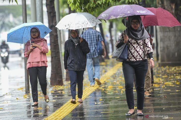 Hujan diperkirakan akan guyur Jakarta siang ini