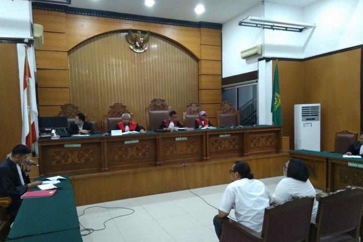 Jaksa tuntut Komedian Nunung  1,5 tahun penjara