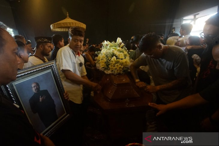 Ringkasan kejadian kemarin - BMW M4 Rp2,3 miliar lalu Djaduk Ferianto meninggal dunia