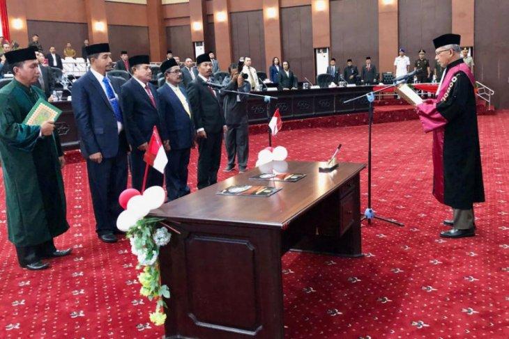 Pimpinan DPRD Malut periode 2019 - 2024 dilantik