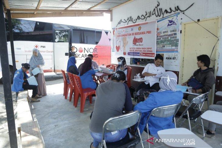 Mahasiswa Untad-UTD PMI Sulteng penuhi ketersediaan darah