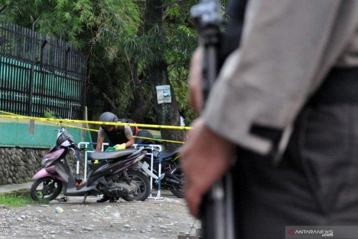 Polisi buru pimpinan pengajian RMN pelaku bom Medan