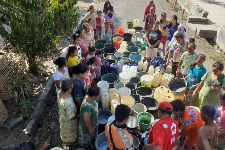 PMI Jember distribusikan air bersih ke wilayah kekeringan