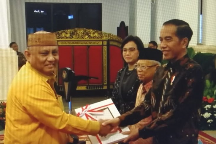 Gubernur Gorontalo menerima DIPA tahun 2020 dari Presiden Jokowi