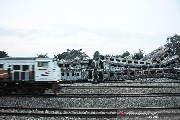 Pascakebakaran Gerbong Kereta Nonaktif