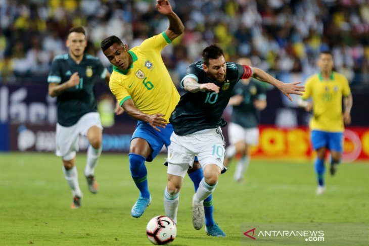 Gol tunggal Messi bawa Argentina tundukkan Brazil