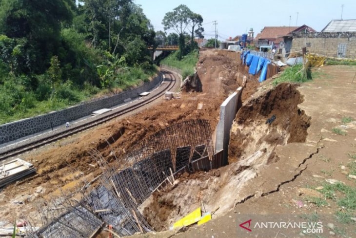 Longsor proyek doubletrack tidak ganggu perjalanan KA Bogor-Sukabumi