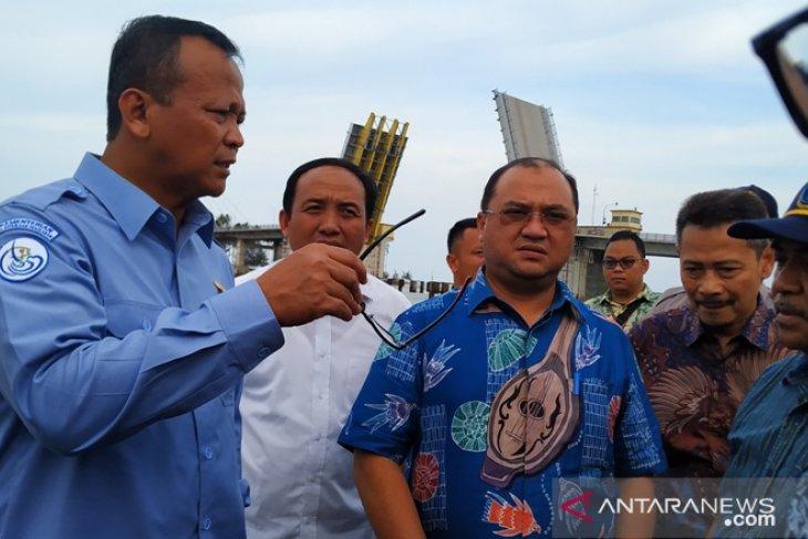 Menteri Edhy janji tindak tegas kapal trawl di Bangka Selatan