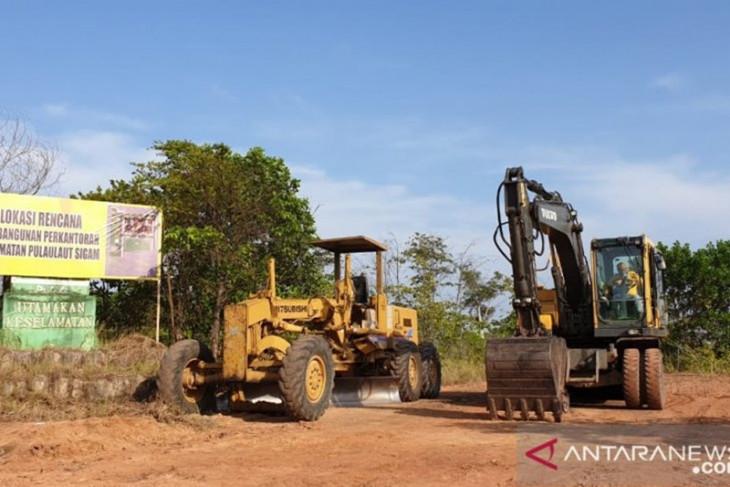 Kotabaru mulai bangun perkantoran di kecamatan pemekaran