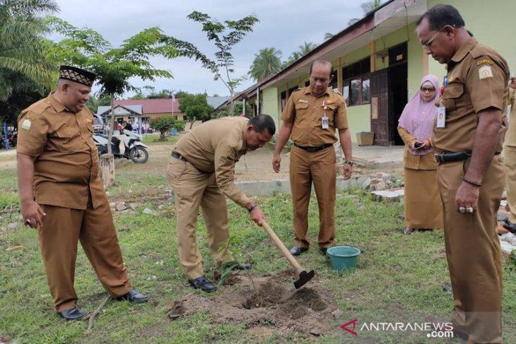Pemerintah Aceh Timur tanam 10.000 pohon berbuah