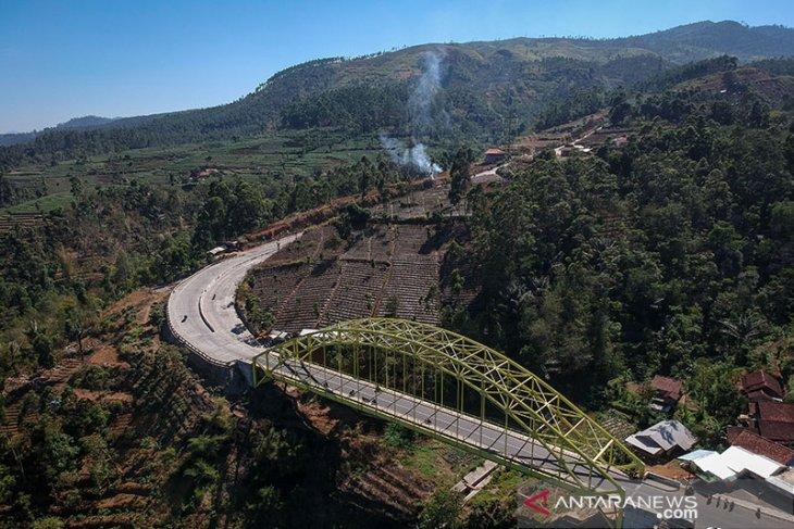 Kamojang Hill Bridge