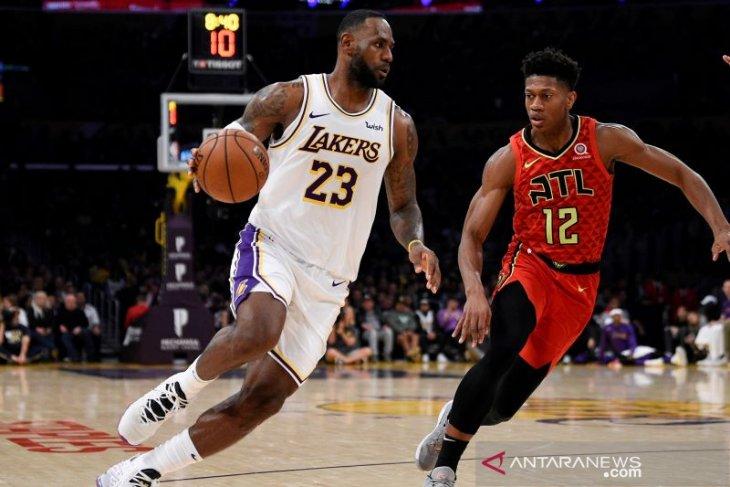 LeBron James pacu kemenangan Lakers